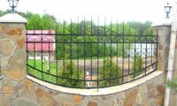 Ограждаем территорию сварным или кованым забором