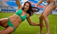 Фото: Футбол в бикини