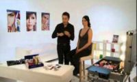 Видео: Уроки макияжа - Модный макияж