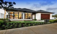 Дом, традиционный или в современном стиле? Подбираем цвет крыши и фасада