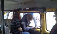 Рубцовск: Заклинило дверь в маршрутке (ВИДЕО)