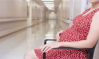 Мажущие выделения при беременности: причины появления