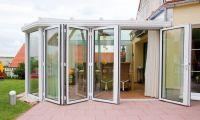 Преимущества и недостатки алюминиевых дверей
